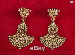 Adorable Vintage 18K Yellow Gold Pair of Indian Middle East Style Earrings